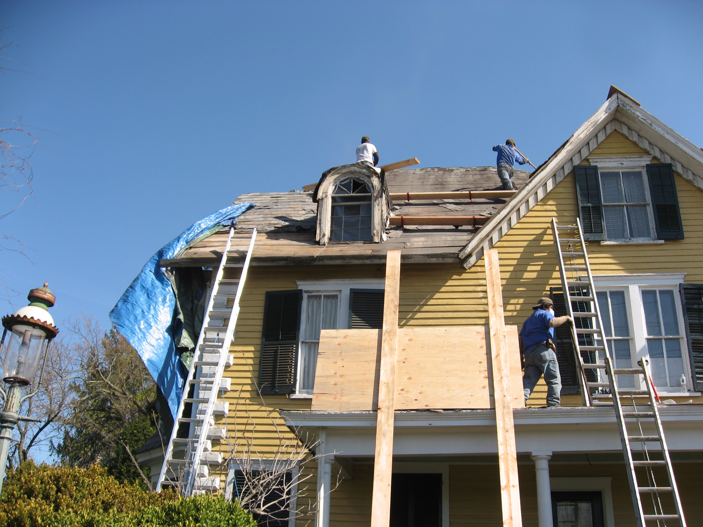 Pictures of residential commercial roofing contractors for New home construction south jersey